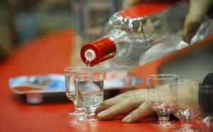 Tomando vodka en Rusia
